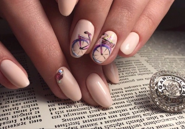 pictures with drawings on nails