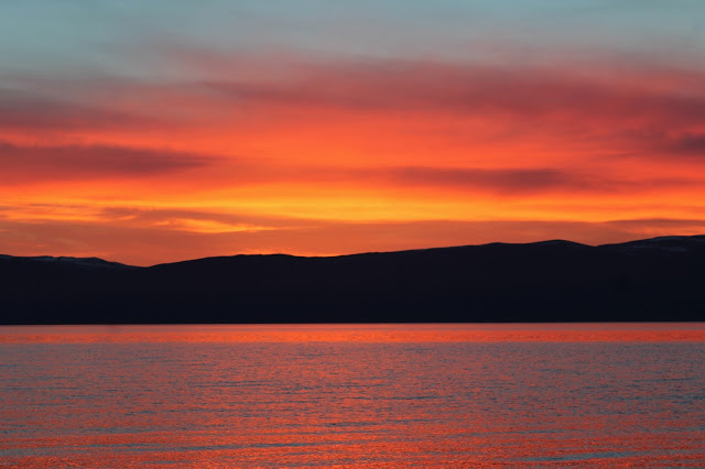 reflections on 2016 - sunset over lake baikal