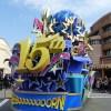 泡にまみれて大はしゃぎ!USJの「ユニバーサル・リ・ボーン・パレード」の場所取りは?