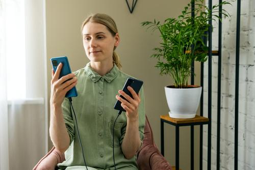 Cum transferi datele de pe vechiul telefon pe cel nou