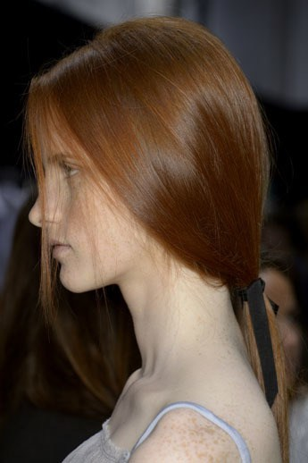 Redheads Recreate The Perfect Low Ponytail From Paris