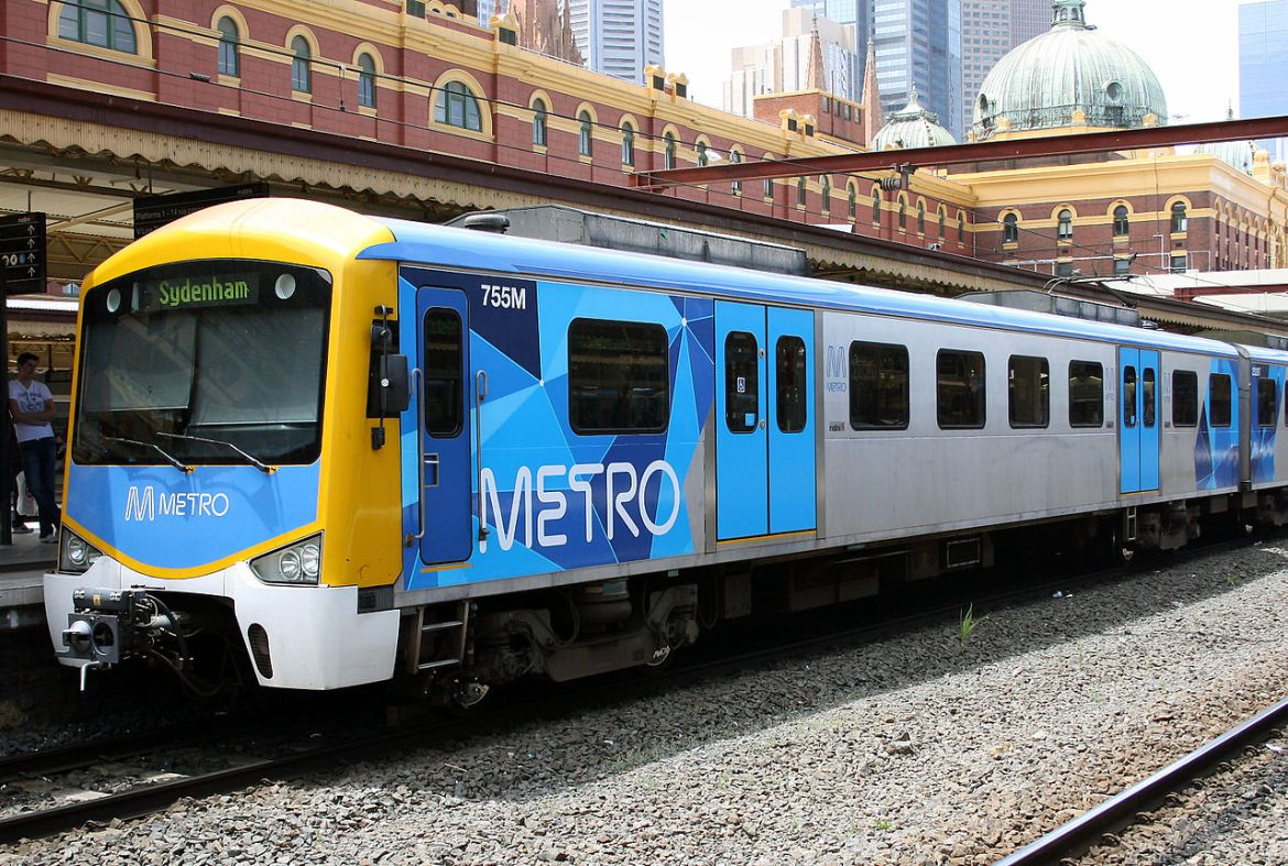 1280px-Siemens_train_in_Metro_Trains_Melbourne_Livery
