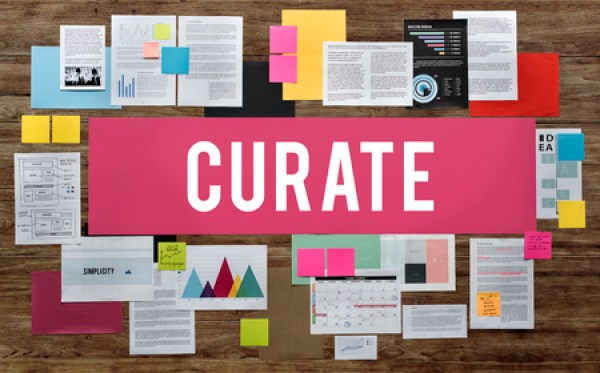 how bloggers curate content