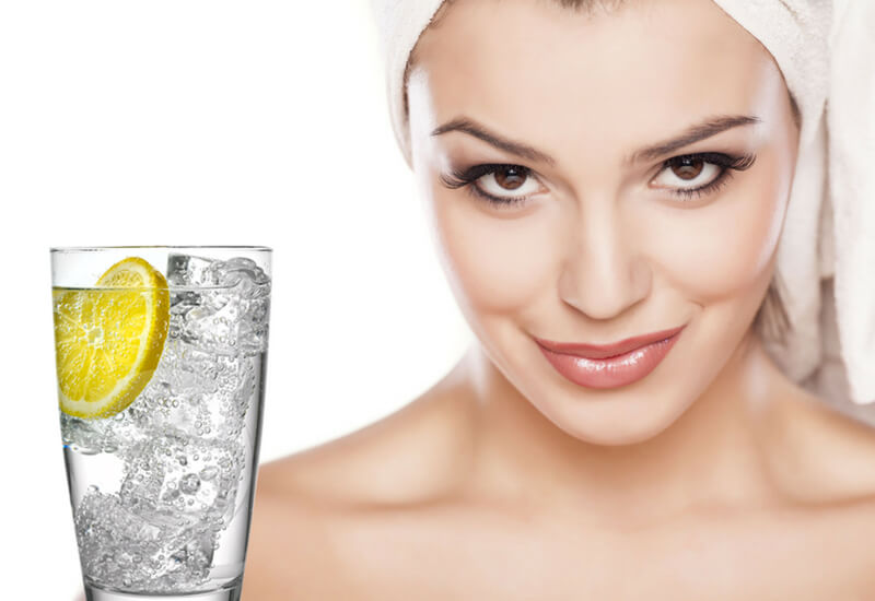 lemon-water-for-beatiful-skin