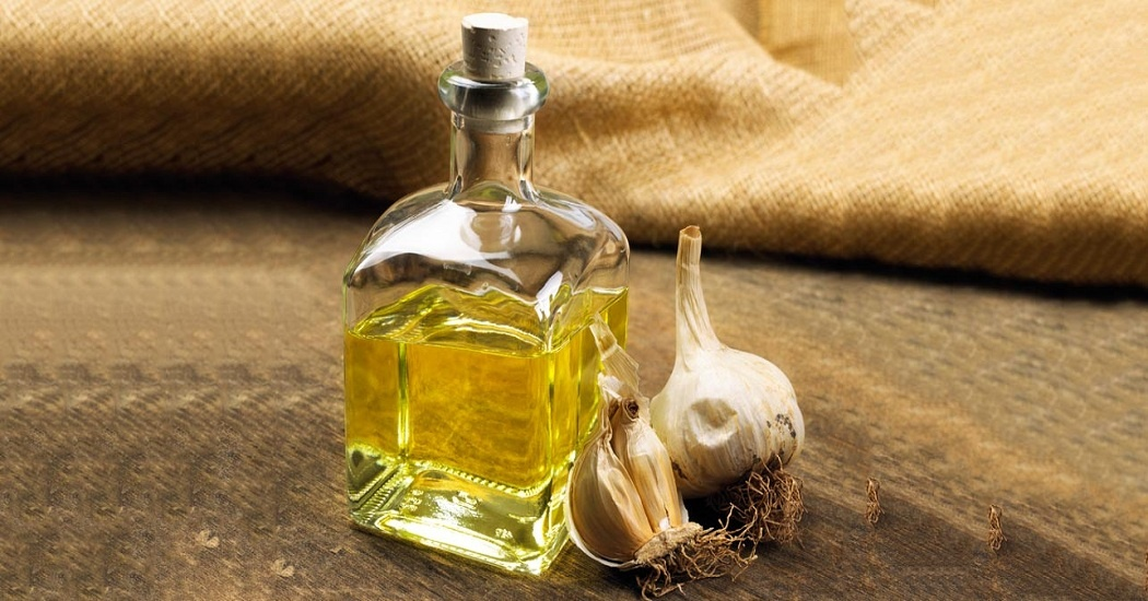 Garlic oil for ear infection