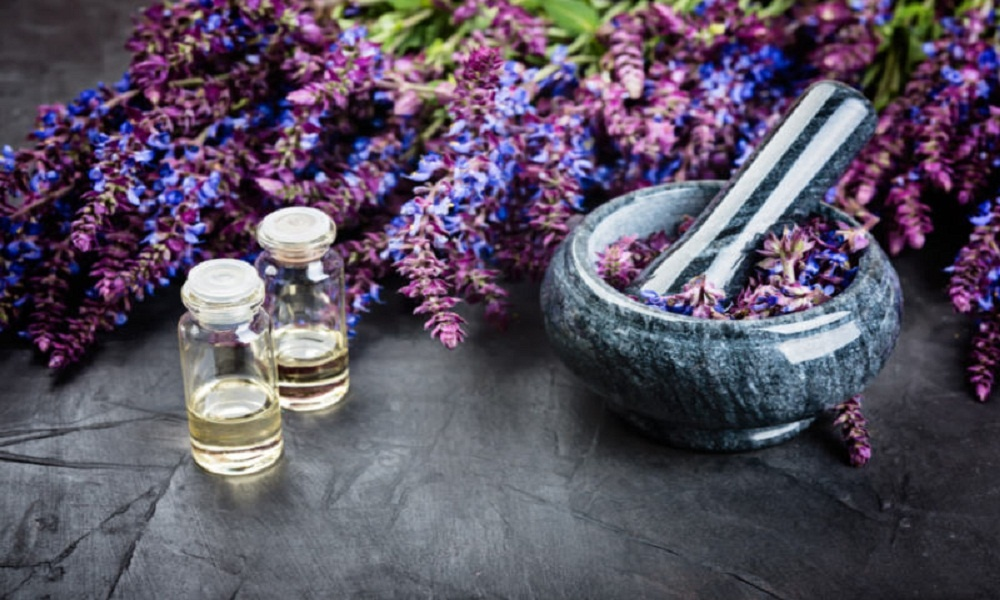clary sage oil for labor