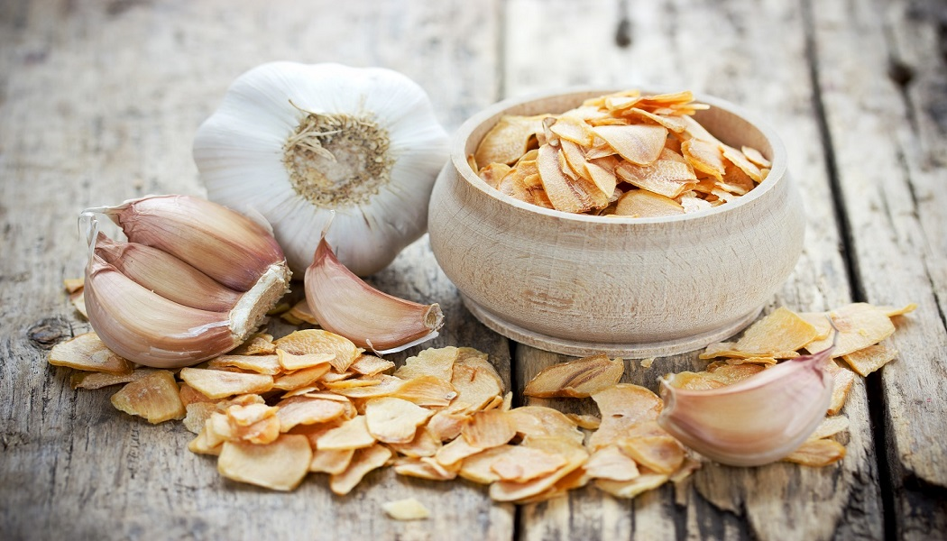 garlic for get rid of moles