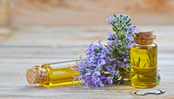 rosemary essential oil for fixing crepe paper skin