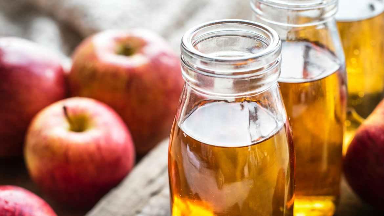 treat a burn with apple cider vinegar