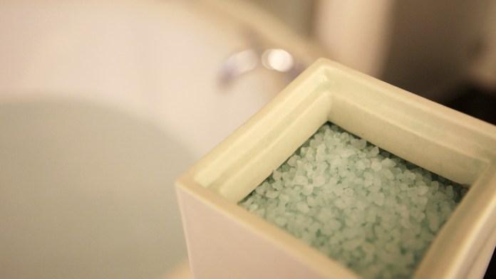 epsom salt bath to cure cyst