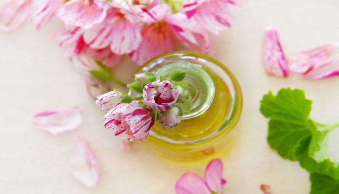 geranium essential oil for fertility