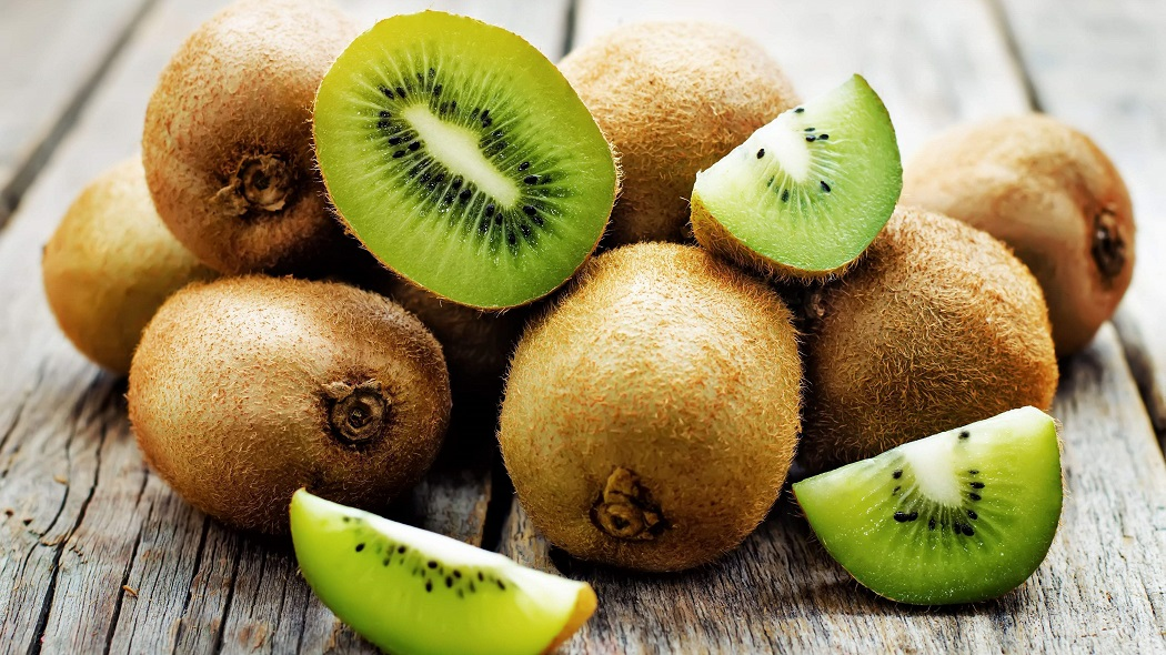 kiwi fruit for freckles on lips