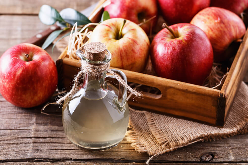 apple cider vinegar for smooth hair