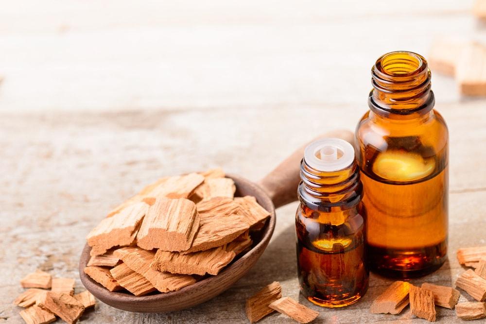 sandalwood oil-min