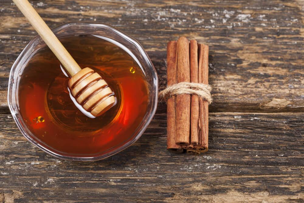 Canomon and honey