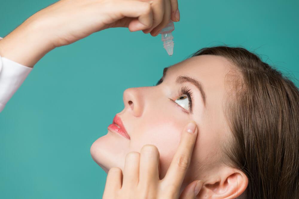 benefits of Castor oil for eyes