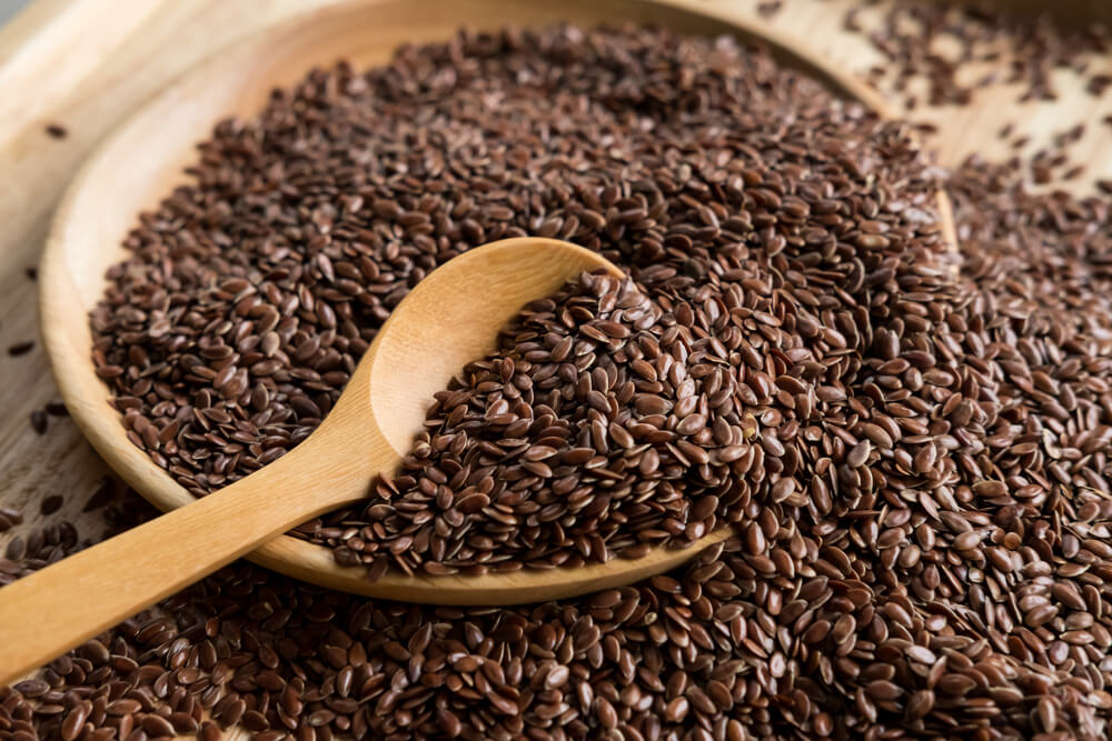 Flaxseeds for high fiber food