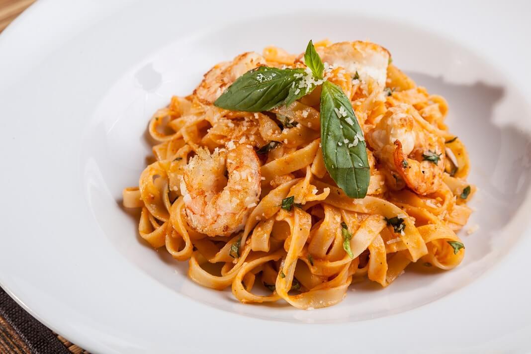 Shrimp wheat pasta