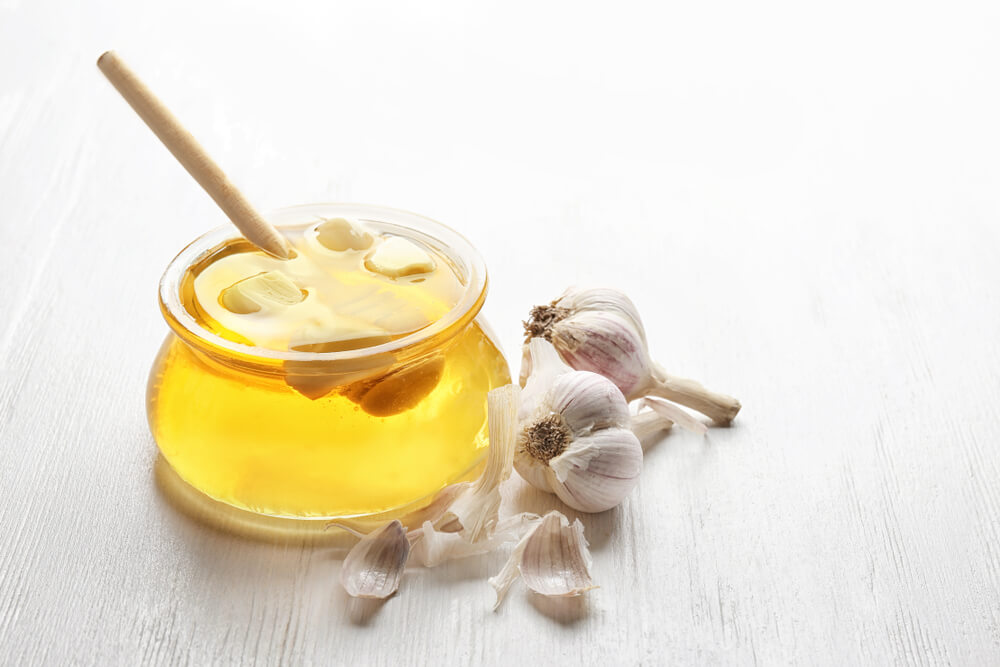 Ginger and garlic for honey for hair