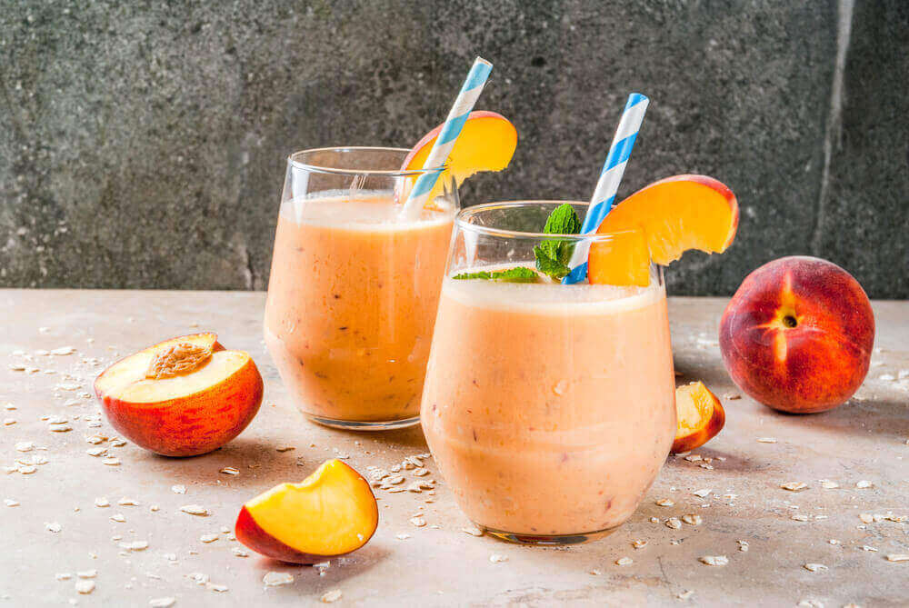 Cream Oatmeal and Peaches Smoothie