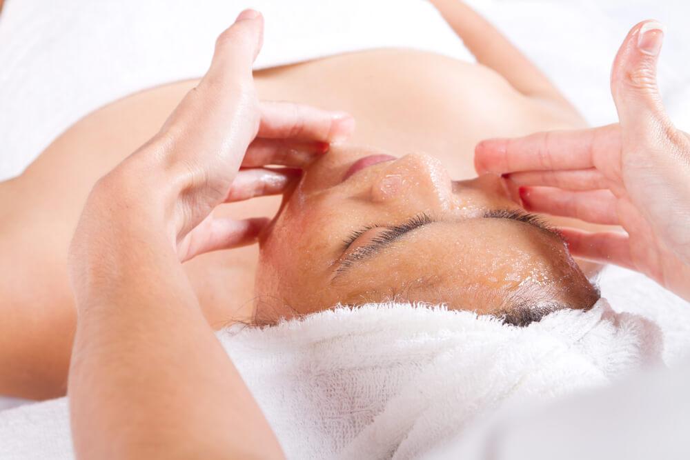 Manuka Honey Massage