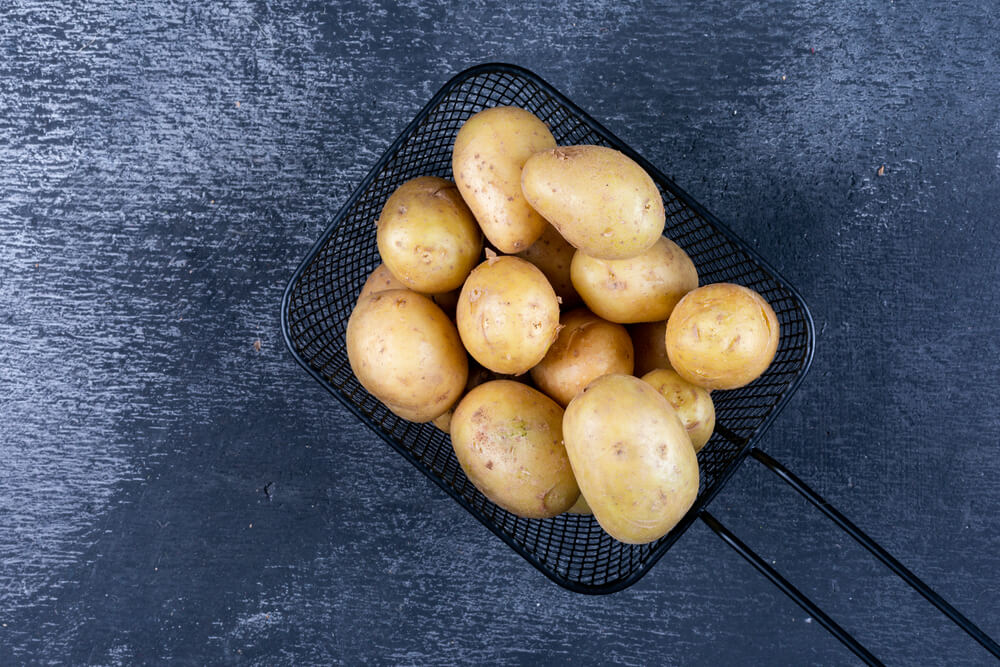 Can you eat raw potatoes
