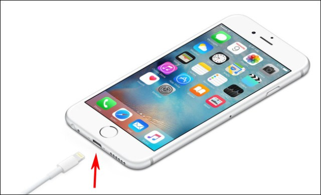 Photo of an iPhone with a Lightning port