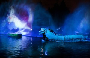 FantasmicFJ-061209-Disney