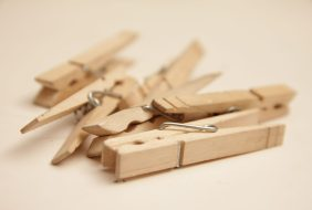 heavy duty clothes pegs