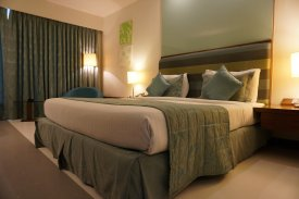 How to find a good and cheap hotel room