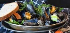 How to find a way to make steamed mussels