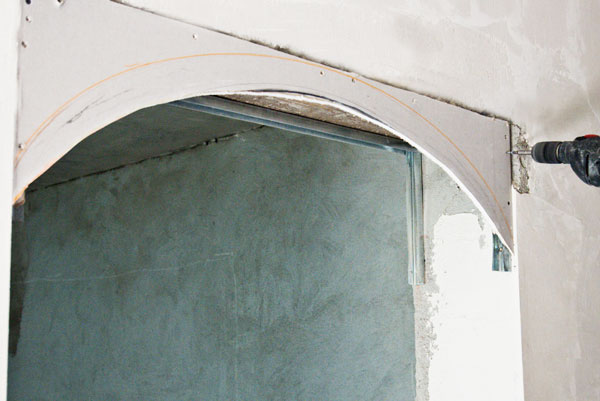 Building-a-drywall-arch
