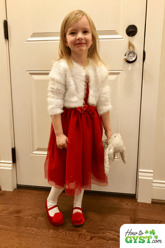 December 2017 wrap-up post for HowToGYST.com – Scout in red Christmas dress