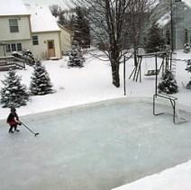 backyard-rink-christmas