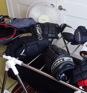cleaning-hockey-equipment-at-home