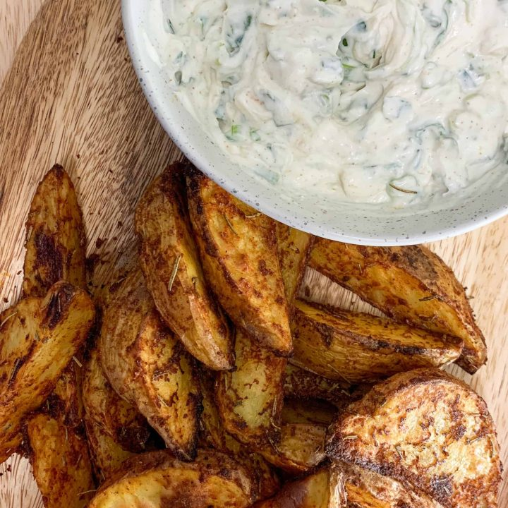 QUICK AND EASY Sour Cream and Onion Dip