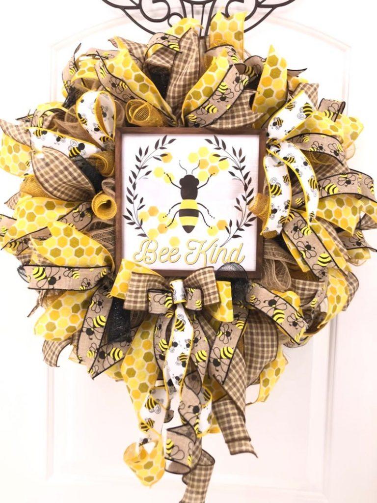 Queen B Wreaths n Decor