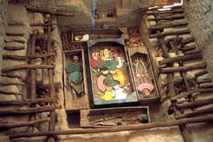 Lord of Sipan Peru - The Huaca(tomb) with 2 skeletons and other artefacts inside