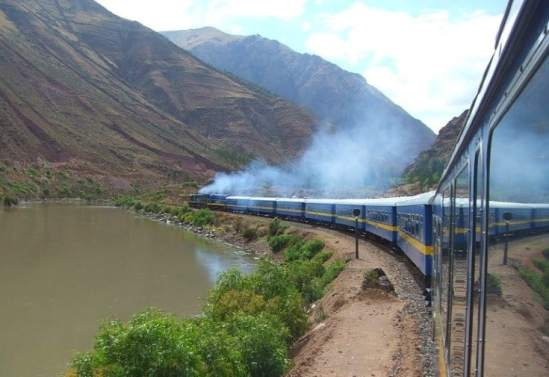 vapor coming out of moving train in the Andes - how to get from lima to machu picchu