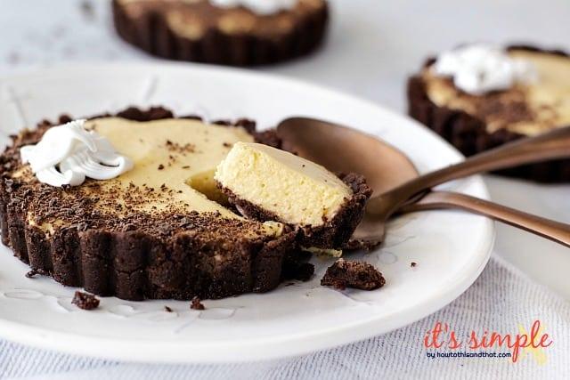keto cookies & cream cheesecake