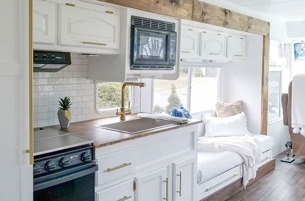 30+ Fabulous RV Renovation Ideas To Make A Happy Campers ... on Small:xmqi70Klvwi= Kitchen Renovation Ideas  id=85744