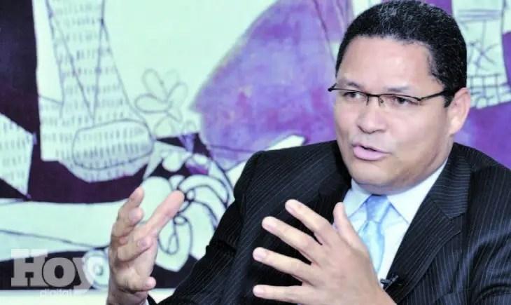 Gedeón Santos, presidente del Instituto Dominicano de las Telecomunicaciones -Indotel. Archivo.