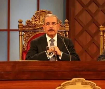 Danilo Medina intervino ante los cuestionamientos del senador Paliza por la alegada parcialidad con la que actúa el TSE. Fuente externa.