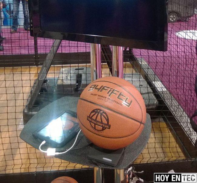 CES-2014---94Fifty-Smart-Sensor-Basketball