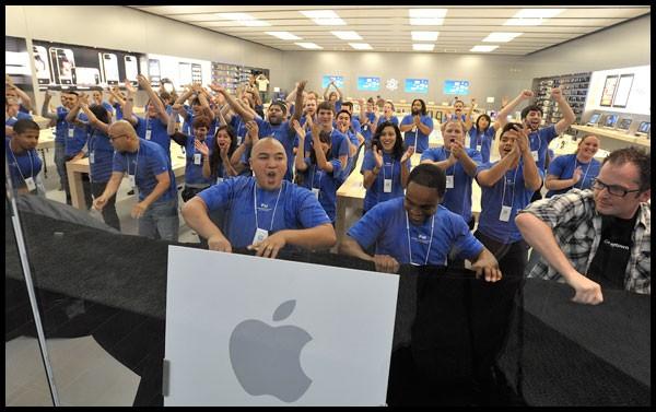 Apple-empleados-demandan-20000-california