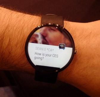 Blackberry Messenger llega a los Android Wear