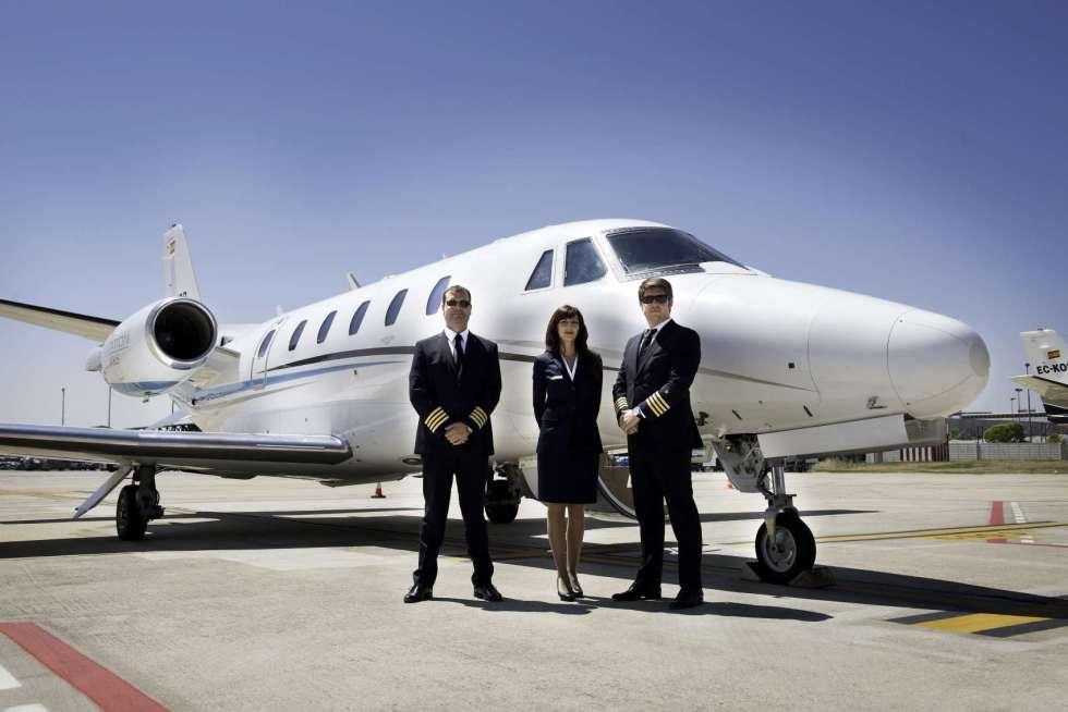 Una flotilla de aviones está a disposición de cualquiera que quiera contratar sus servicios y pueda pagar los $1700 dólares que cobran al mes.  Imagen ilustrativa. Taringa.