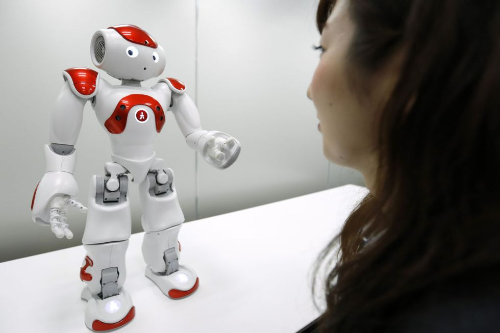 robots poliglotas banco tokyo