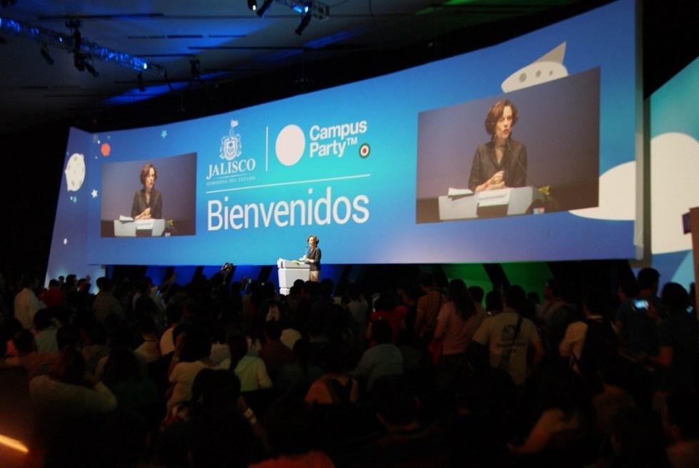 La periodista Denise Dresser habló sobre el nuevo periodismo y la nueva tecnología. Fotografía: José Luis Adriano