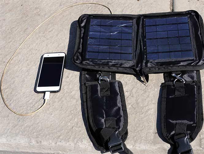 Estudiante de la UNAM crea un Cargador Solar Portátil para Smartphones-2